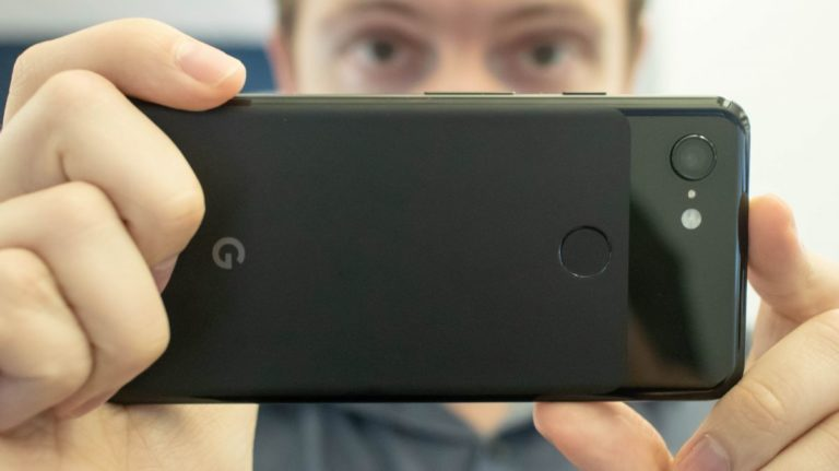 Some Pixel 3 and Pixel 3 XL owners are having problems saving photos