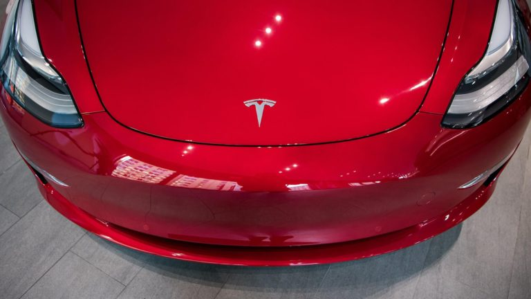 Elon Musk email reveals employee 'sabotage' at Tesla – Video