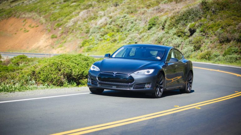 MyFitnessPal hack hits 150M users, Tesla recalls over 100,000 Model S cars – Video