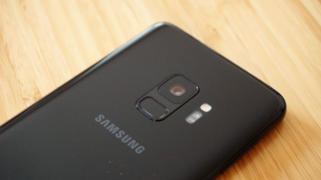 Samsung Galaxy S10 details leaked, including a 'punch hole' camera notch 3