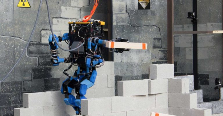 Alphabet Cancels Walking Robot Project After Internal Turmoil