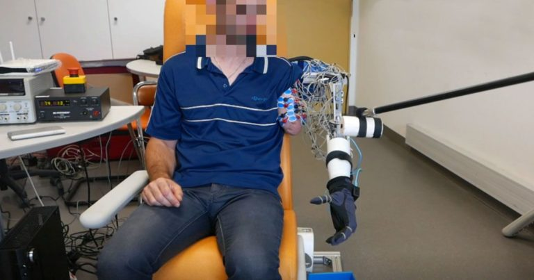 A New Prosthetic Arm Takes the Place of a Phantom Limb