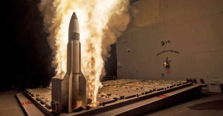 Watch a Missile Smash a Dummy Nuclear Warhead Out of the Sky