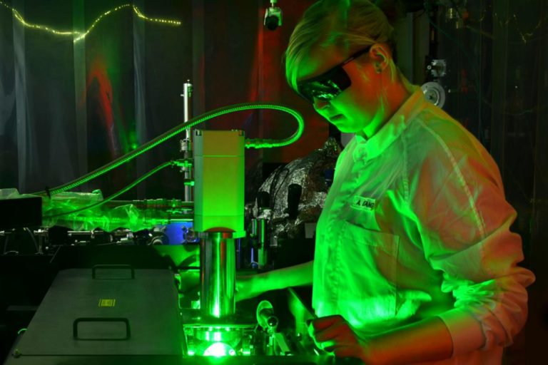 An Ultrafast Camera Filmed Electrons Interacting With Light Energy