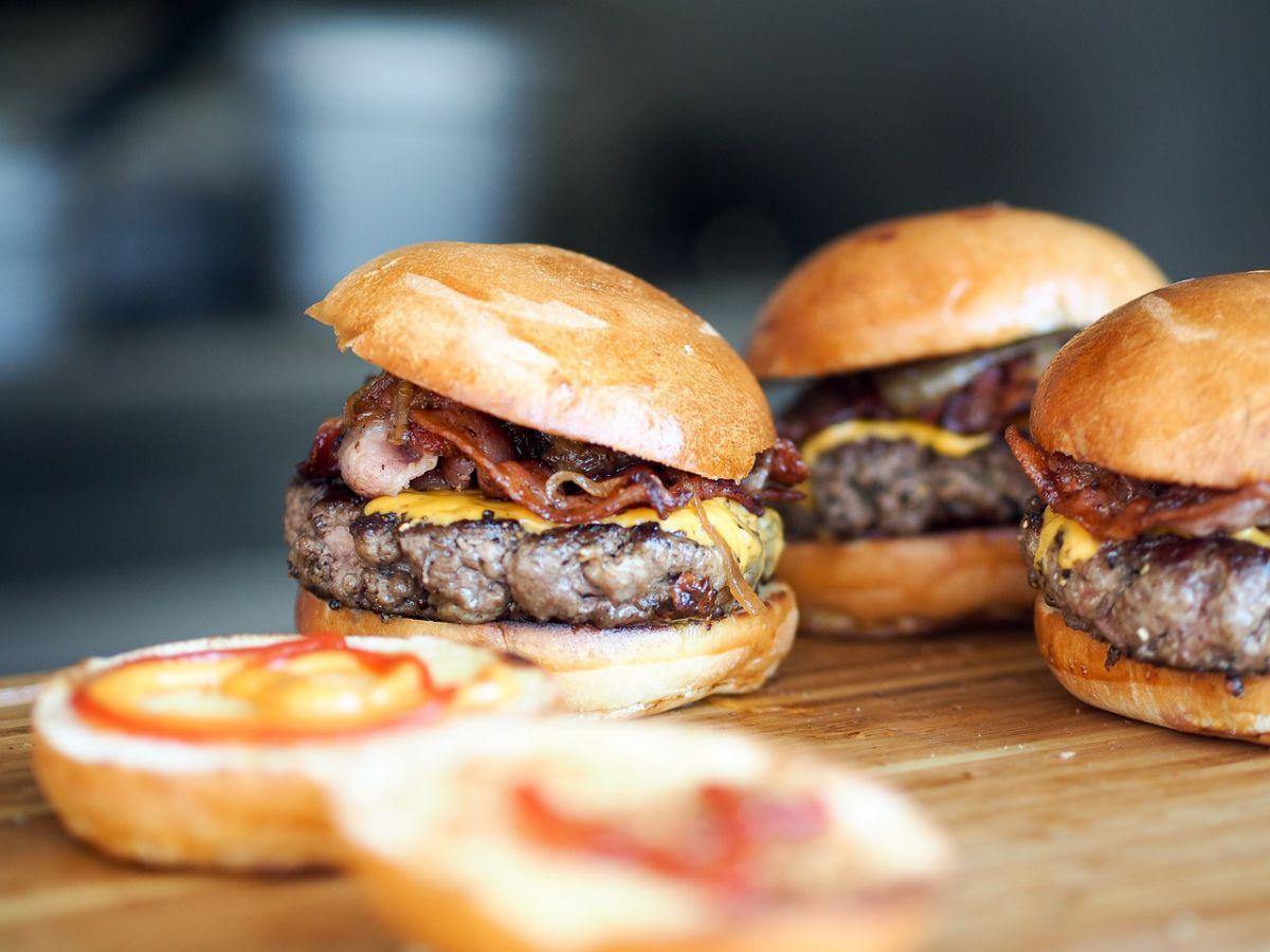 burger 731298 1280