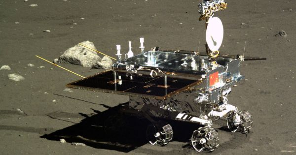 chinas change 4 lander just entered lunar orbit