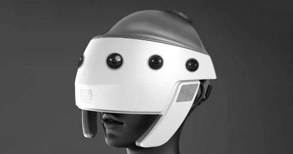 "Why a Spider-Eyed ""Sex Helmet"" Could Be the Future of VR Video"