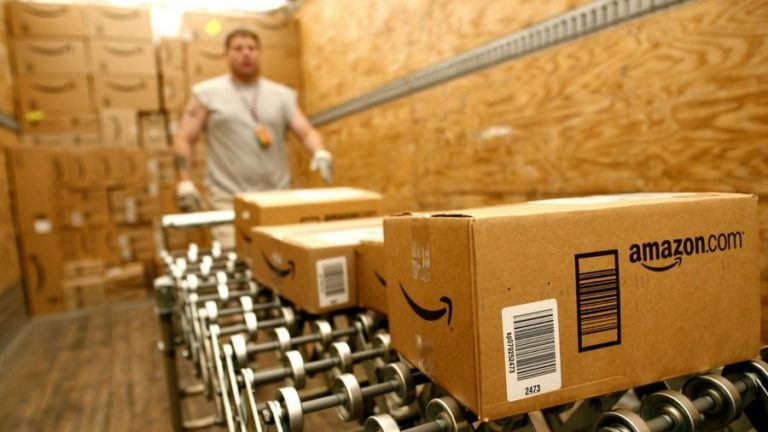 iPhones, mobiles and more still available for Christmas delivery from Amazon