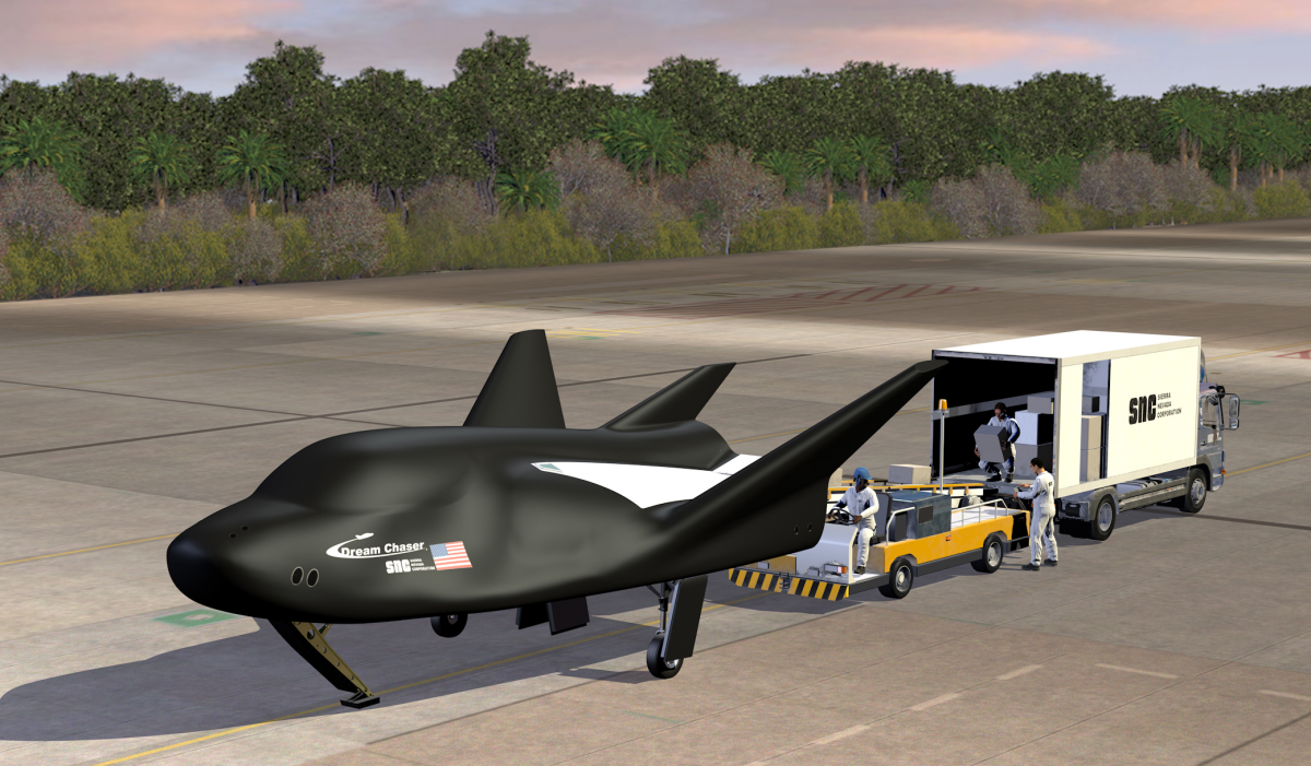 sncs dream chaser cargo spacecraft on runway high rez