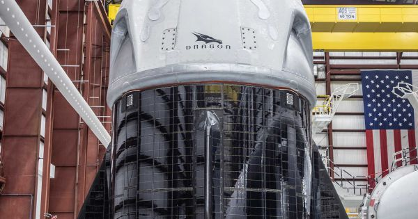 SpaceX's Reusable Dragon 2 Crew Capsule Is Covered in Solar Panels