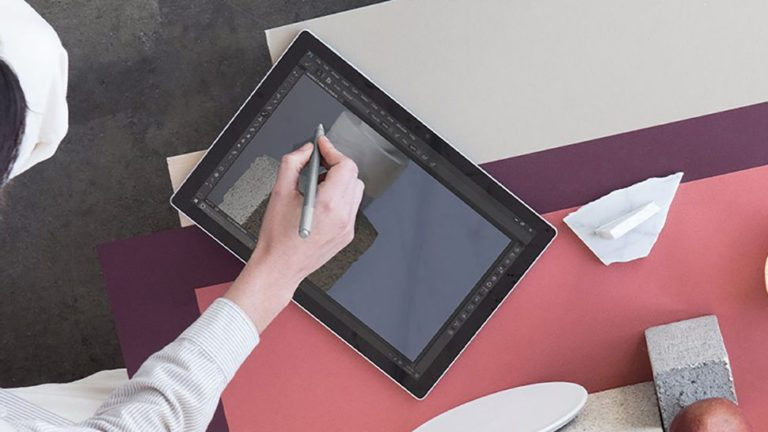 Microsoft has a bright idea to make the Surface Pen more accurate