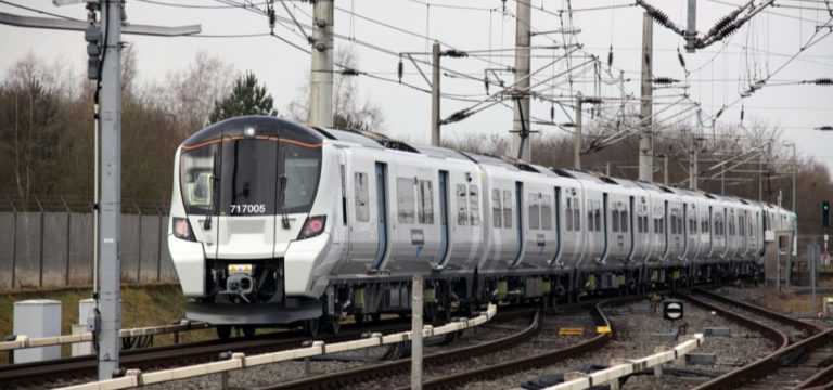 Mobile and train operators urged to improve coverage on railways