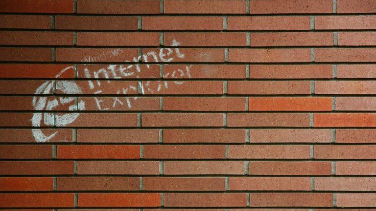 Microsoft publicly puts Internet Explorer on death notice