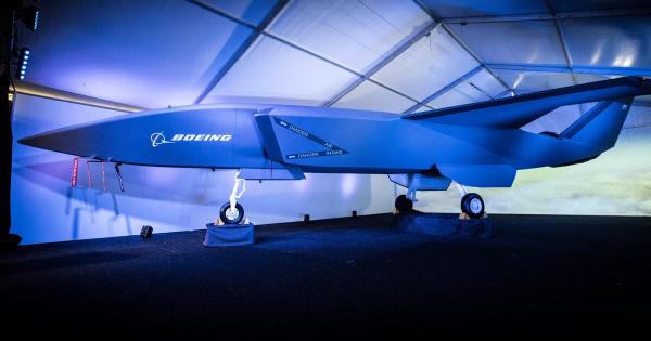 Boeing Unveils Autonomous Fighter Jet 5