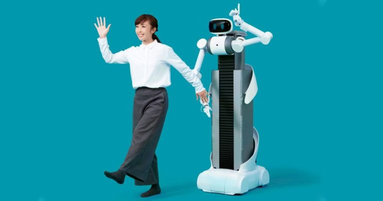 Bizarre Japanese Robot Folds Clothes at a Punishingly Slow Pace