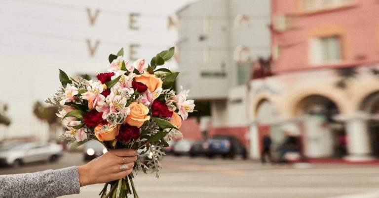 The best Valentine's Day flowers online delivery services: order now to avoid the doghouse