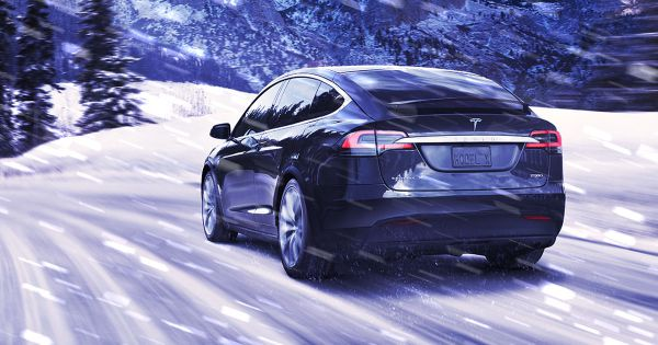 It S So Cold Even Teslas Are Freezing Shut Techodom